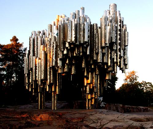 Sibelius-Denkmal Helsinki im Herbst; Bildquelle: wikipedia. Foto: Ralf Roletschek.